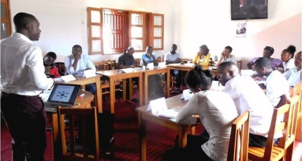 Picture of a job training session conducted by a StreetClac guest speaker in Yaounde